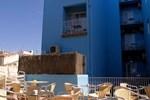 Отель Parrots Sitges Hotel
