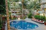 Отель Courtyard by Marriott Waikiki Beach