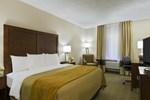 Отель Comfort Inn Conference Center Westport/St. Louis