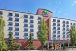Отель Holiday Inn Express Vancouver Airport-Richmond