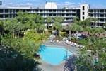 Отель Quality Suites Royale Parc Suites