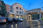 Отель Courtyard by Marriott Providence Warwick Airport