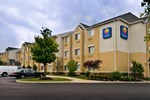 Отель Comfort Inn & Suites Dulles