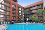 Отель Clarion Inn Lake Buena Vista
