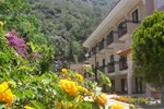 Отель Perdikia Beach