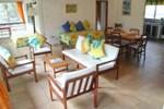 Отель Lance Aux Epines Cottages