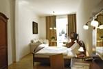 Отель Keramikhotel Goldener Brunnen