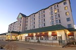 Отель Greenwood Inn and Suites
