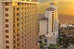 Отель Embassy Suites Waikiki Beach Walk