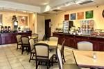 Отель Comfort Inn & Suites Airport