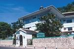 Отель Doctors Cave Beach Hotel