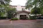 Baymont Inn & Suites Houston Hobby Airport