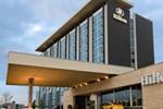Отель Hilton Toronto Airport Hotel & Suites
