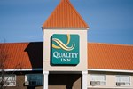 Отель Quality Inn Whitecourt