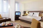 Отель Suite Novotel Paris Velizy