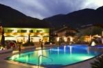 Отель Schlosshof Charme Resort – Hotel & Camping