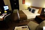 Отель Safir Doha Hotel