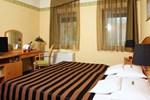 Отель Szent János Hotel