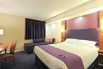 Отель Premier Inn Swansea North