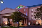 Отель Holiday Inn Express and Suites Kincardine