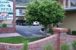 Lakeside Villa Motel