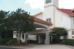 Отель La Quinta Inn & Suites Raleigh - Durham Airport