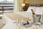 Отель Hotel Cumbres Puerto Varas