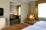 Отель Macdonald Swan's Nest Hotel