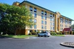 Отель Quality Inn & Suites Bensalem