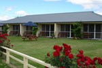 Отель Lake Dunstan Motel