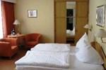 Отель Hotel Zens