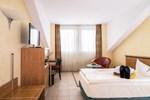 Отель Hotel VierJahreszeiten