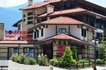 Отель Uniqato Hotel