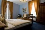 Отель Hotel Restaurant Villa Fayence