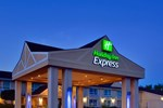 Отель Holiday Inn Express Hotel & Suites Collingwood-Blue Mountain