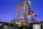 Отель Atria Hotel and Conference Paramount Serpong