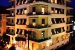 Отель Hotel Jolanda
