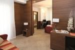 Отель Hotel Adlon