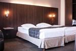 Отель Hotel Carlton