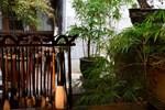 Отель Lijiang Zen Garden Hotel (Wuyi Yard)