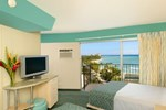 Отель Aston Waikiki Circle Hotel