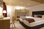 Отель Hotel Crusch Alba Swiss Lodge