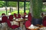 Отель Hôtel Restaurant Du Parc de la Colombière