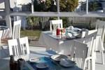 Le Blue Guesthouse