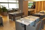 Отель Hotel Oase Genk