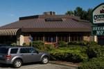 Отель Breakaway Motel