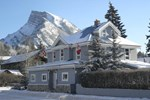 Мини-отель Blue Mountain Lodge Banff