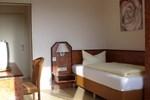 Отель Hotel Garni Tonburg