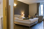 Отель Hotel Grenier des Grottes