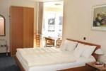 Отель Hotel Kraka